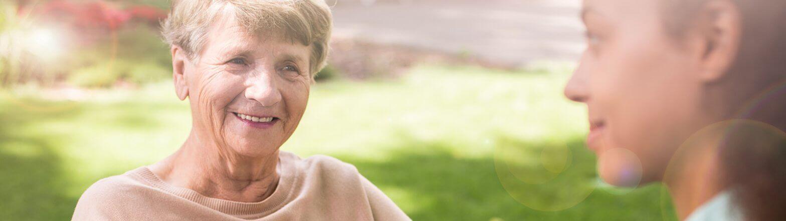 Beratung über Pflege für Seniorin in Essen