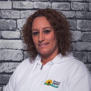 Mitarbeiterin Ana Maria Aguedo Sequedo bei dem Pflegedienst Sonnenblume