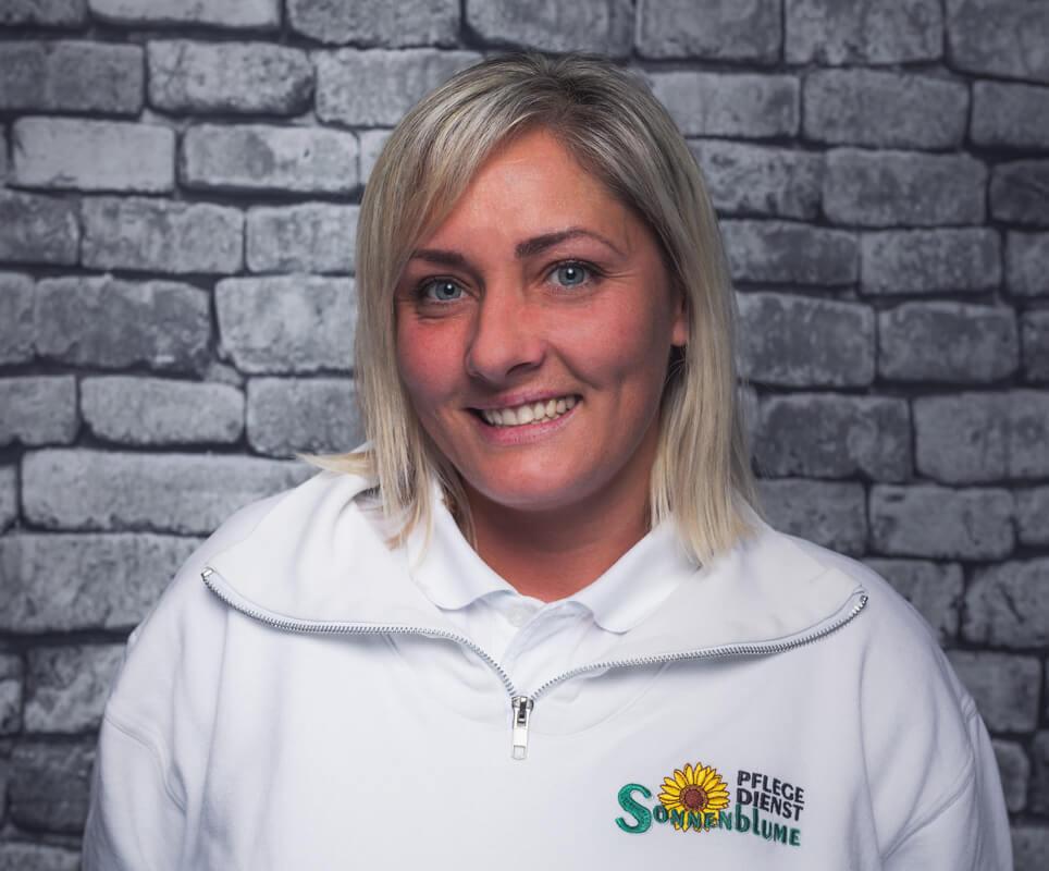 Mitarbeiterin Anna Kos-Markowski bei dem Pflegedienst Sonnenblume