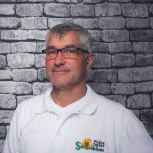 Mitarbeiter Bernd Hulthaup bei dem Pflegedienst Sonnenblume