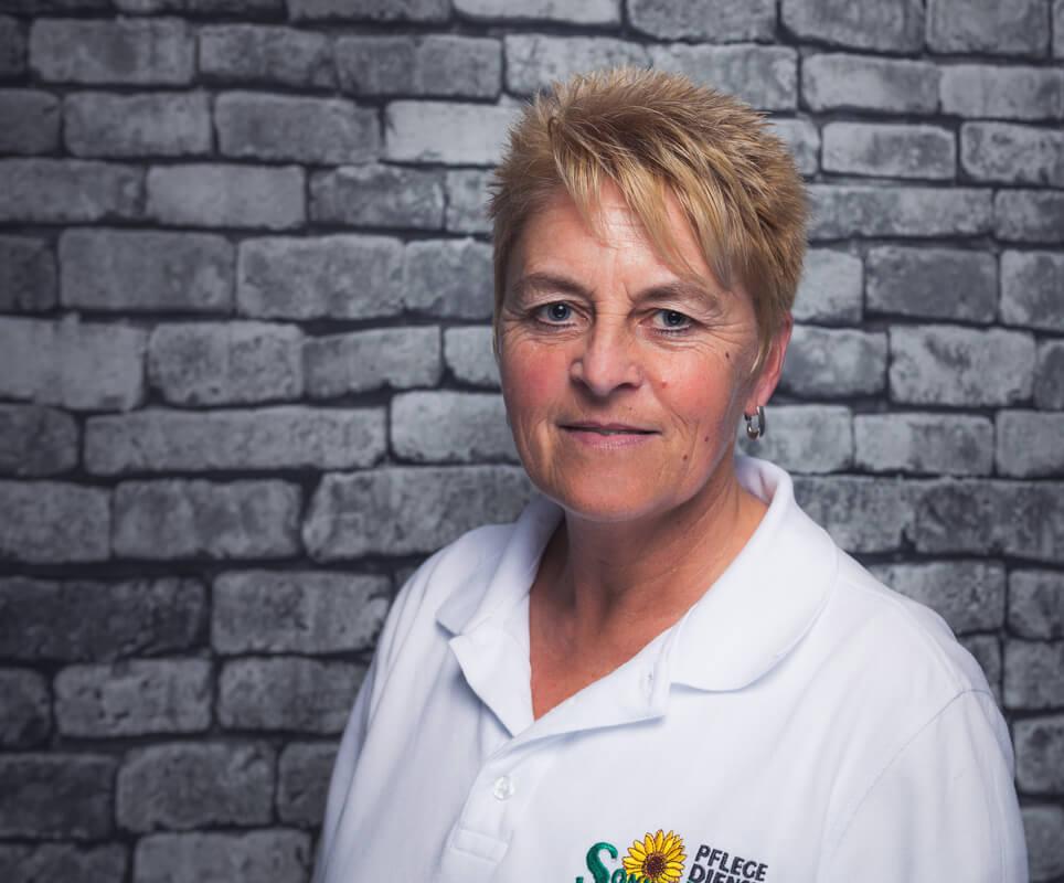 Mitarbeiterin Kerstin Eckart bei dem Pflegedienst Sonnenblume
