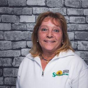 Mitarbeiterin Marlis Janßen bei dem Pflegedienst Sonnenblume