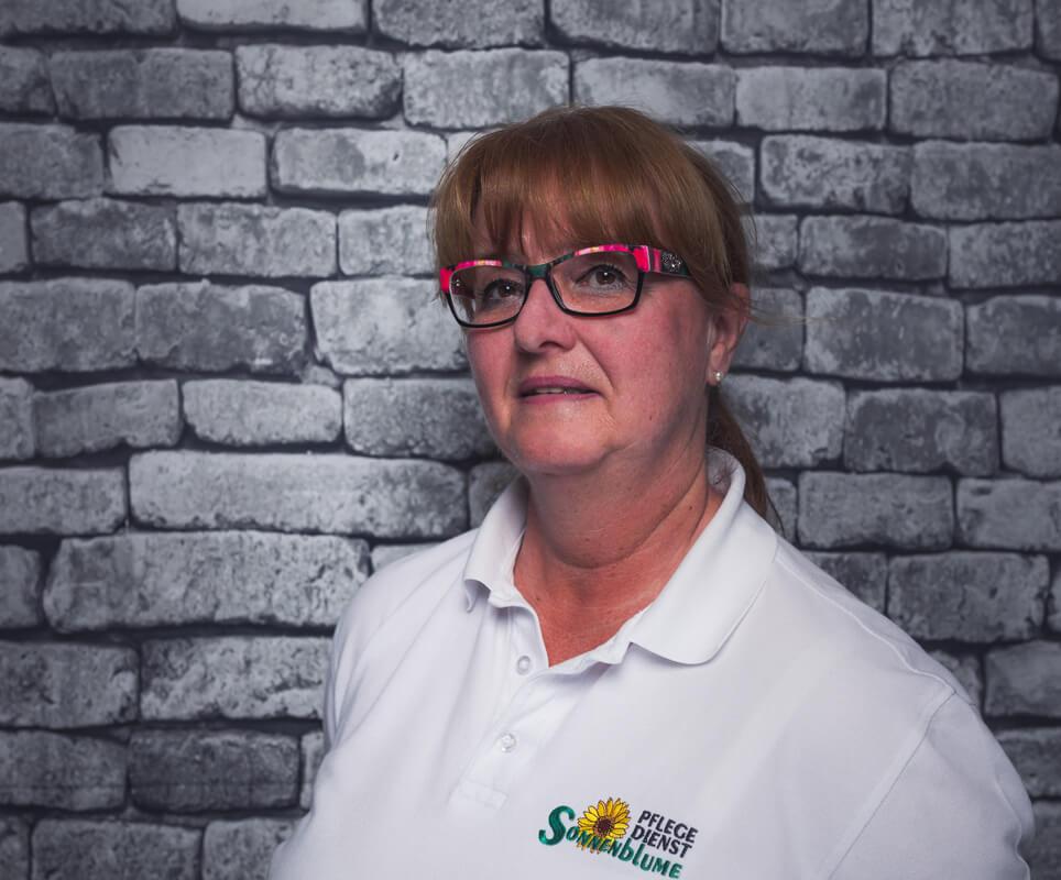 Mitarbeiterin Martina Hillebrandt bei dem Pflegedienst Sonnenblume