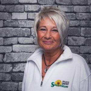Mitarbeiterin Susanne Kuhaupt bei dem Pflegedienst Sonnenblume